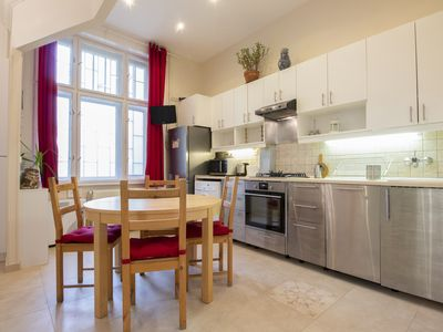Photo for Colorful apartment w/ synagogue views & free WiFi - walk to the Danube and more!