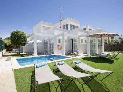 Photo for BEAUTIFUL VILLA IN CAN PICAFORT with free wifi, air conditioning and pool.