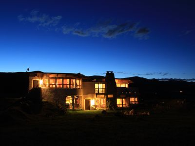 Photo for Fall & winter rates at Mountain lodge just outside Yellewstone National Park.