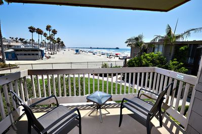 Relax and unwind as you gaze at the whitewater ocean views, the beach, and the Pier!