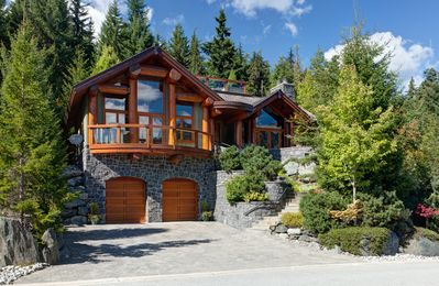 Exterior view of Alpine View Chalet