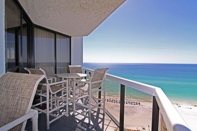 LARGE BALCONY VIEWS OF THE EMERALD GREEN GULF