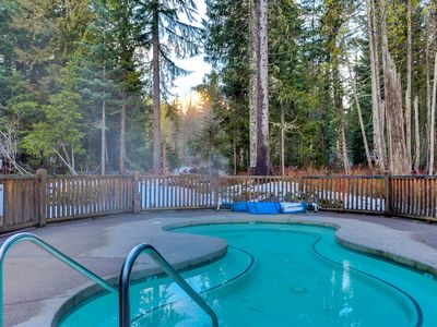 Photo for Modern, dog-friendly townhome w/ Ping-Pong & shared hot tub/pool - near skiing!