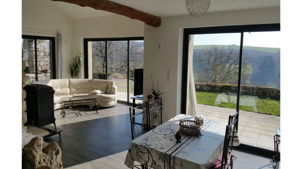 CHEZ FOUCHS   Gite with view PANORAMIC   3 bedrooms   enclosed land