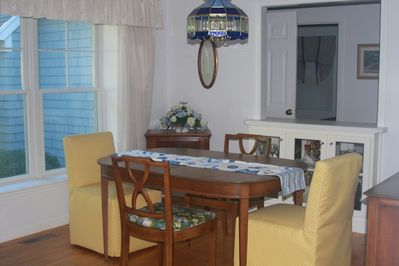 Lovely Dining Room - your home away from home!