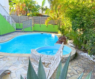 Photo for SAINT PIERRE : VILLA D'ANA, PISCINE ET JACUZZI, 6 PERS.