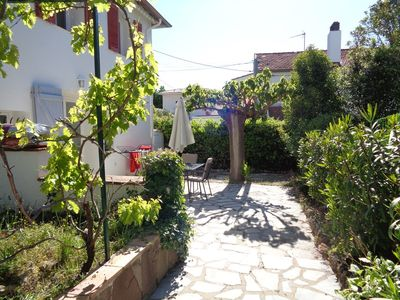 Photo for ground floor for 4 people garden, quiet area near the sea