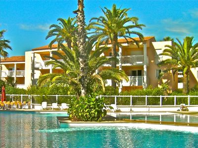 Photo for At Juan-les-Pins quiet apartment with swimming pool and 250 m from the beaches