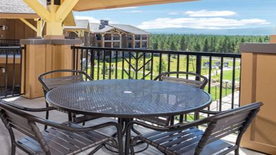 Photo for Mountain Luxury @ WorldMark Resort - 0.8 miles From The West Gate To The Park