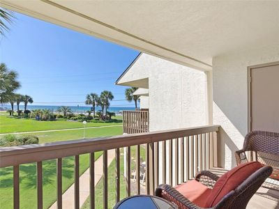 2 Bedroom Townhome with a Gulf View and King Beds