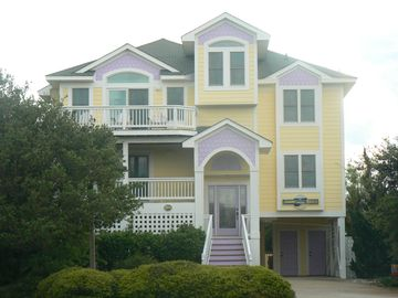 Summer weeks available!/FORMER MODEL HOME/LOTS OF EXTRAS
