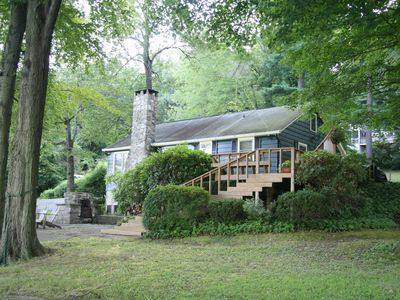 Prime Direct Waterfront On Candlewood Lake, Private Dock, Cozy Lake House