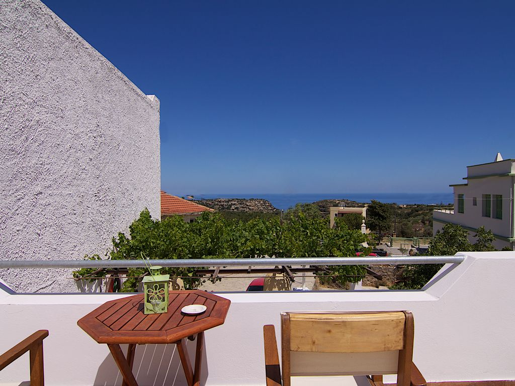 Jacuzzi terrace with great sea views walking distance to for The terrace top date
