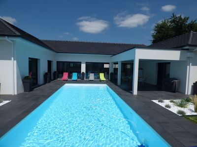Photo for modern villa with heated pool, 6 to 10 people