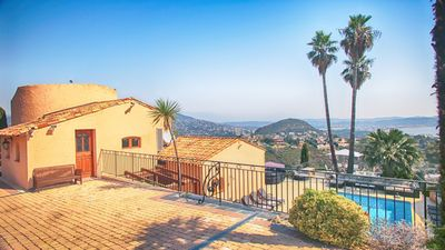 Photo for Villa La Sarriette, luxury 6-Bed Villa in Théoule sur Mer, 10 mins from Cannes
