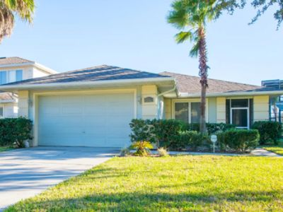 Photo for 4 bedrooms,3 bathroom home in quiet gated community closed to local attractions
