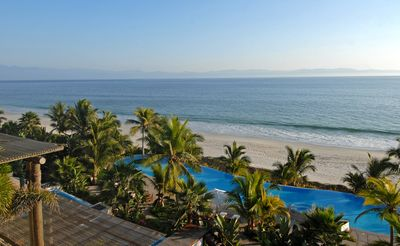 Photo for Condo Jacaranda - Ideal for Couples and Families, Beautiful Pool and Beach