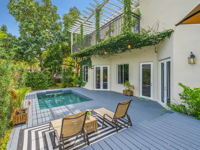 7 Bed Villa in Miami Brickell, Pool! Walking distance to everything! Fits 13 !