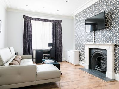 Photo for Modern 1-bedroom apartment next to Oxford st