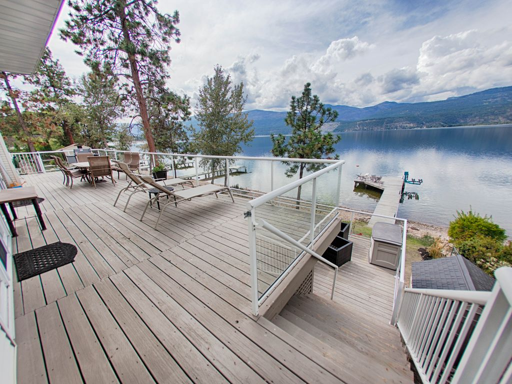 Private beach lakefront multi bedroom home perfect for for Multi family beach house rentals