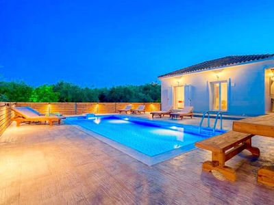 Photo for This 3-bedroom villa for up to 6 guests is located in Galaro and has a private swimming pool, air-co