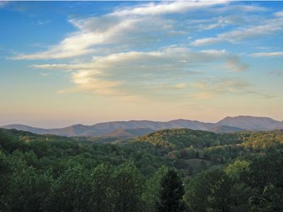 Photo for Long Range Mountain Views & 10-20 mins. from everyt