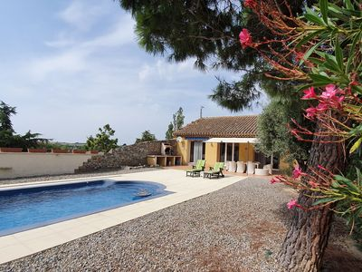 Photo for Spacious Villa with Private Pool in Marseillette