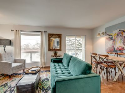 Photo for Cozy 2 bedroom condo on the Cumberland River in Downtown Nashville