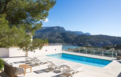 Photo for Modern villa with breathtaking views over Port de Sóller bay