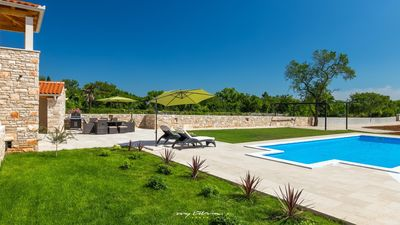 Photo for Charming villa with private pool near Pula
