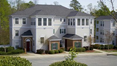 Photo for 4 BDR/4 Bath for 12. 2 Kitchens! Only minutes from major attractions. From $139