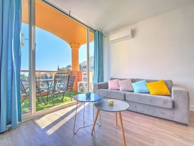Photo for Sea view apartment, pool, air conditioning, wifi, parking