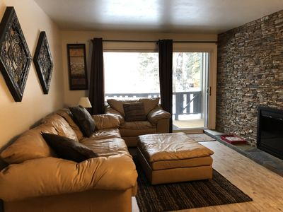 Your own private hot tub,Walking distance to all, beautiful large one bedroom