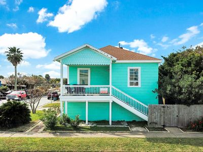 Photo for TurnKey - Updated 2BR Gulf View w/ Balcony - Winter Texans Welcome!