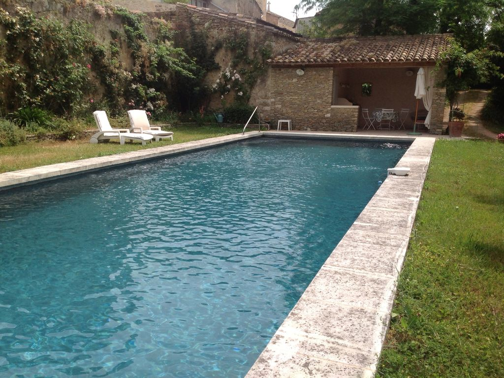 House with garden and pool in castle park vallabrix for Castle gardens pool