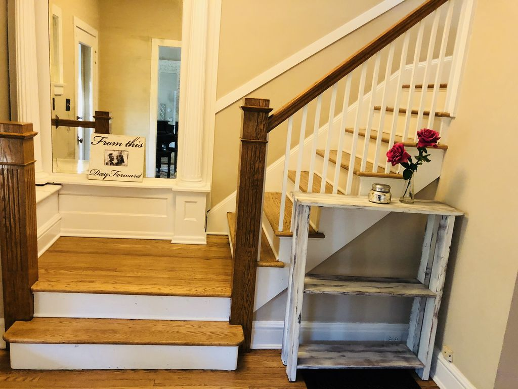 Fully Equipped Oak Park Home