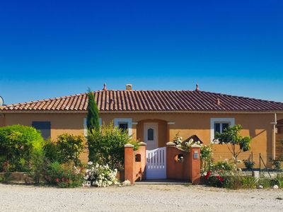 Photo for Attractively furnished villa with private pool a short distance from the Mont Ventoux