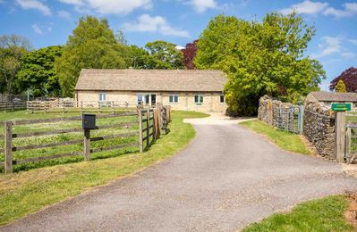 Photo for Stonewell Cottage is a lovely 19th century barn conversion located in the hamlet of Maugersbury