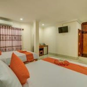 Photo for Family Room: 1double bed & single bed - free breakfast