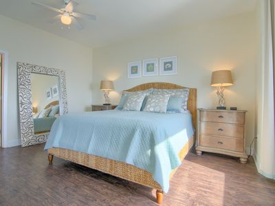 Photo for HUGE Penthouse;Beach Chairs/Umbrella:Gulf Front; Stone/HW Floors! Dec. on Sale!!