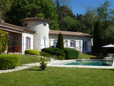 Photo for Superb villa sun pool quiet garden and sea view on the heights of Nice