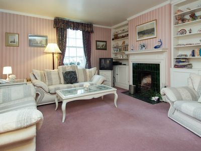 Photo for Lovely 2 bedroom Apartment in Covent Garden - Located Close to Popular Sites
