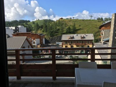 Photo for Beautiful Apartment Village center in luxury residence, 50 m from the slopes