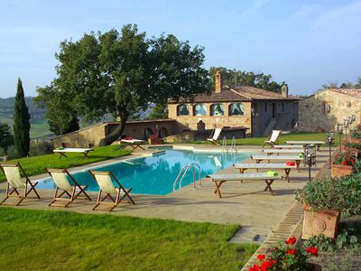 Photo for 7 bedroom Villa, sleeps 14 in Monticchiello with Pool, Air Con and WiFi