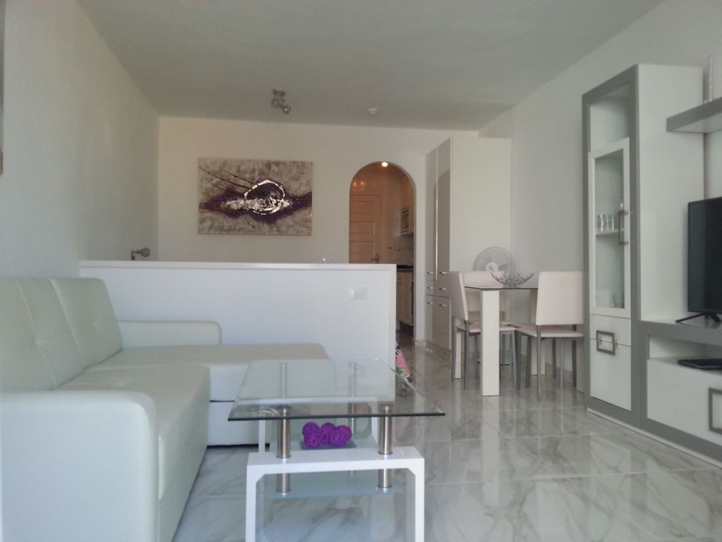 Brand New Studio On Parque Santiago 3 With A Terrace Overlooking The Pool Arona