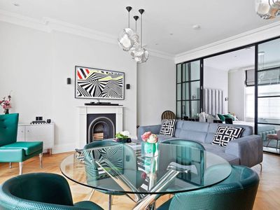 Photo for Stunning Notting Hill 1Bed w/Balcony 10Min fr Tube