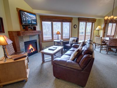 Photo for Springs 8910 Top Floor  Mountain Views, pool, waterslide by Summitcove Lodging