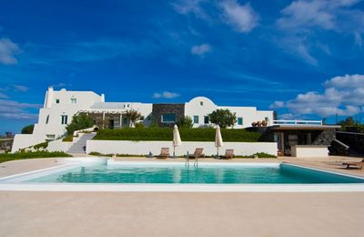Photo for BlueVillas | Villa Amberoid | Private pool with jacuzzi & pool bar for groups