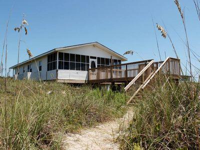 Photo for Birds of a Feather: 3 Bed/2 Bath Oceanfront, Cheery Beach Cottage
