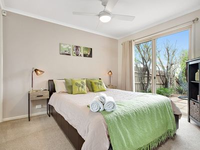 Photo for Sunbury on the Hill, breath taking city views, close to Melbourne Airport
